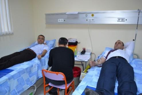Cezaevi Personeli Kan Bağışı Yaptı...