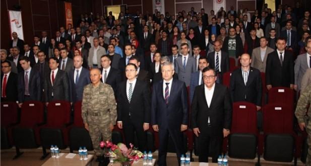 Diyarbakır E Tipi ve Açık'ta 'İletişim Ailede Başlar' Konferansı Düzenlendi...