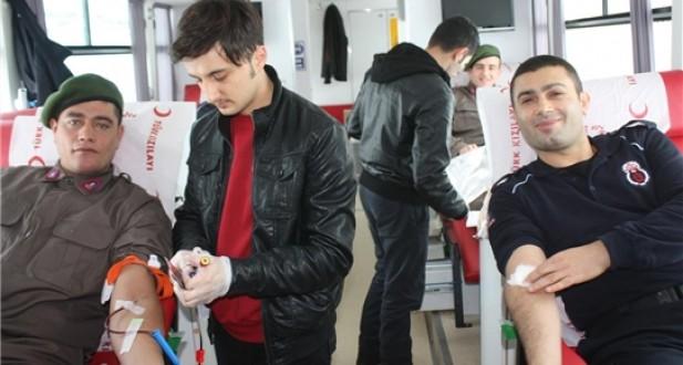 Ferizli L Tipi Cezaevi'nde Kan Bağışı Kampanyası Düzenlendi