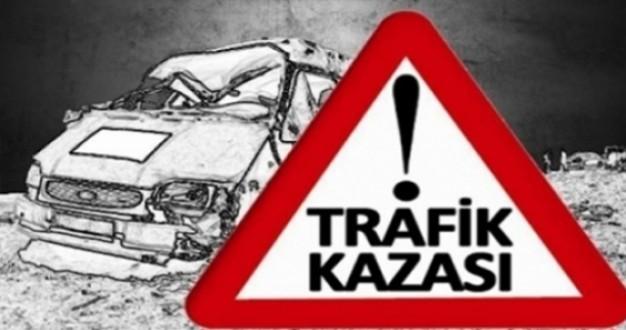 Siirt'te 2 Otomobil Çarpıştı: 2si İnfaz ve Koruma Memuru 3 Kişi Yaralandı...