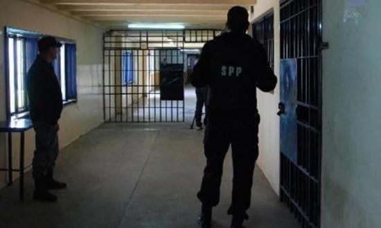 Arjantin'in Comodoro Rivadavia Cezaevinde Tuvalet Bozuldu, Mahkumlar 1 Haftalığına Eve Gönderildi.
