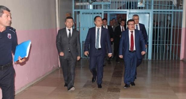 CTE Genel Müdürü Enis Yavuz Yıldırımın Diyarbakır E ve D Tipi Ceza İnfaz Kurumlarını Ziyareti...