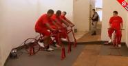 Mahkumlar Pedal Çevirerek Enerji Üretiyor...